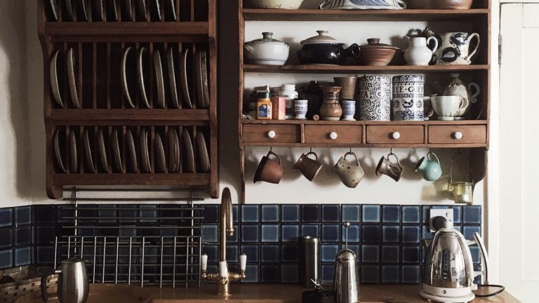 cab 768x432 - How to create a country kitchen look on a budget